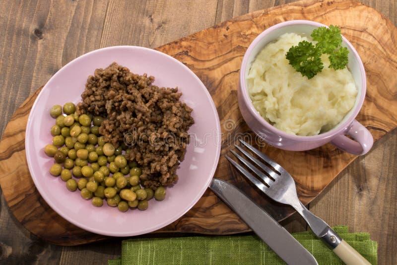 O prato escocês, tritura e tatties com ervilha fotos de stock royalty free