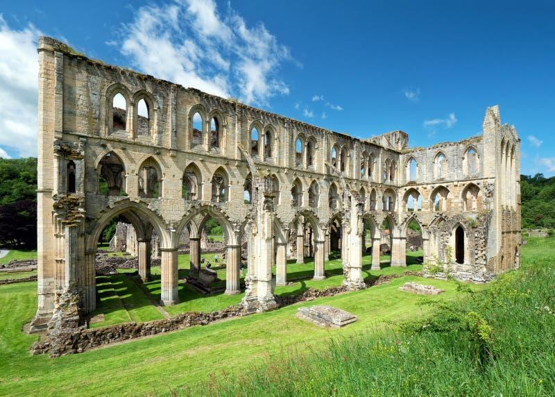 O presbitério, abadia de Rievaulx em Yorkshire, Inglaterra foto de stock royalty free