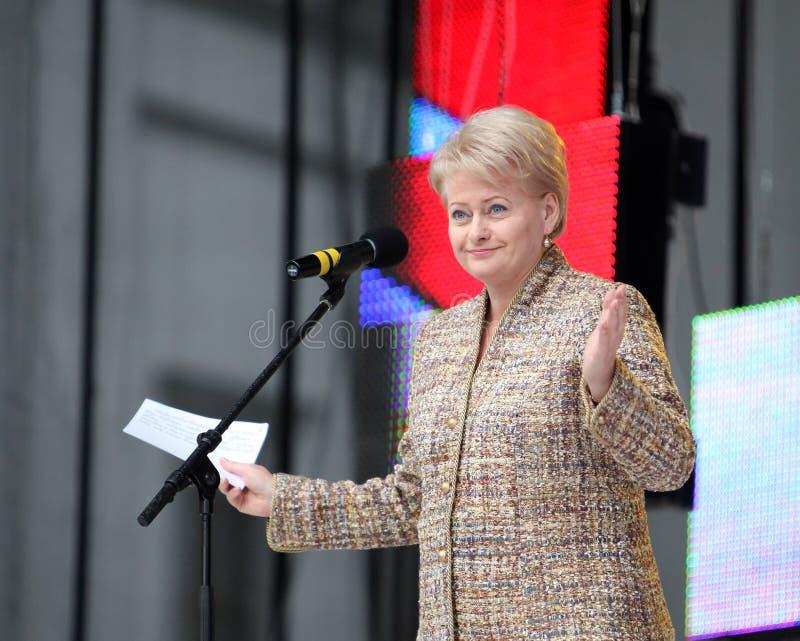 O presidente da república de Lituânia Dalia Grybauskaite está fazendo o discurso fotografia de stock