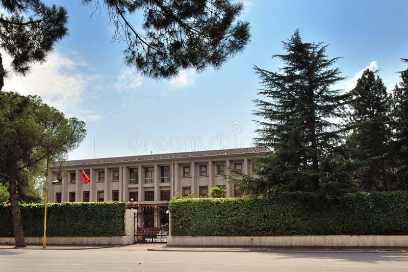 O presidente Palácio de Tirana fotos de stock