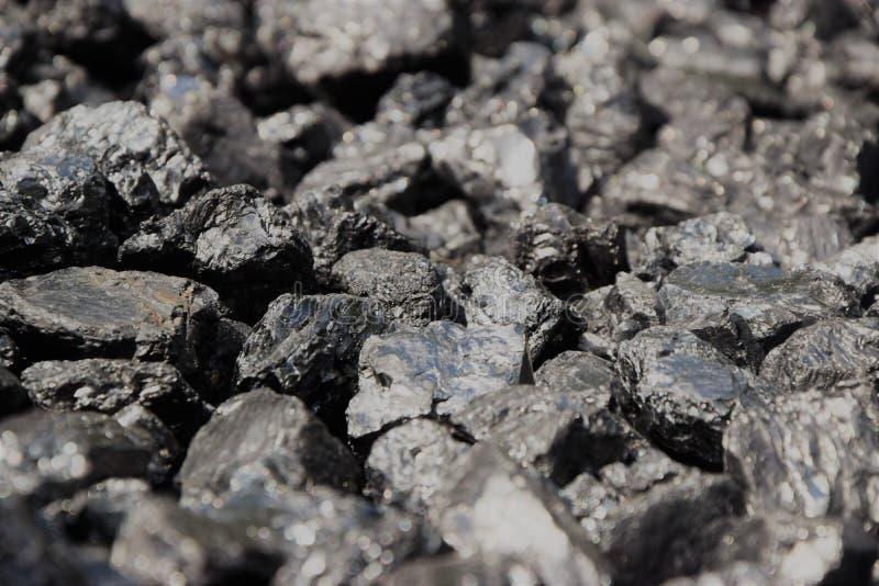 O preto apedreja similar ao carvão foto de stock