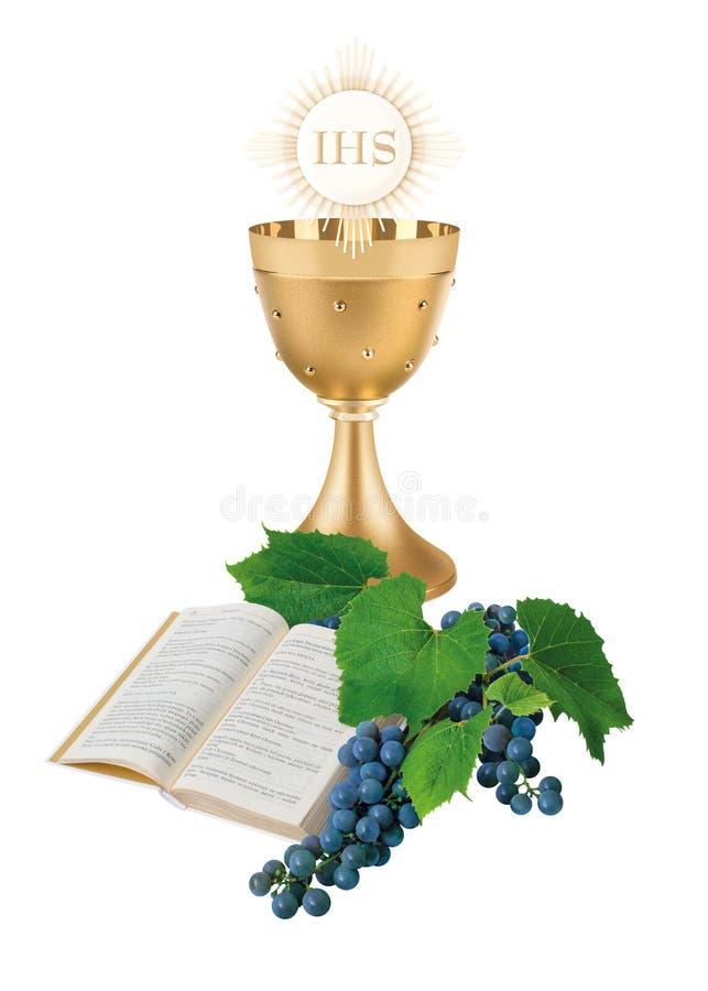 O primeiro comunhão santamente, uma ilustração com um copo, um anfitrião, a Bíblia e vinho foto de stock royalty free
