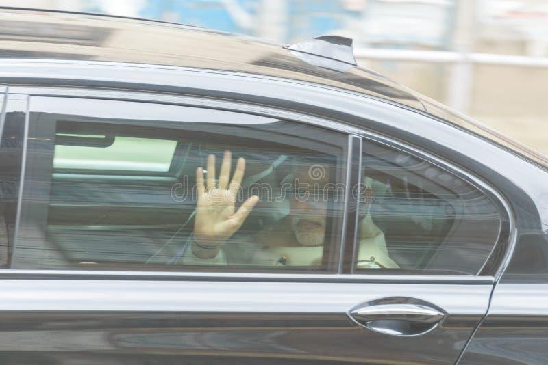 O primeiro ministro Narendra Modi chega em Kathmandu fotos de stock
