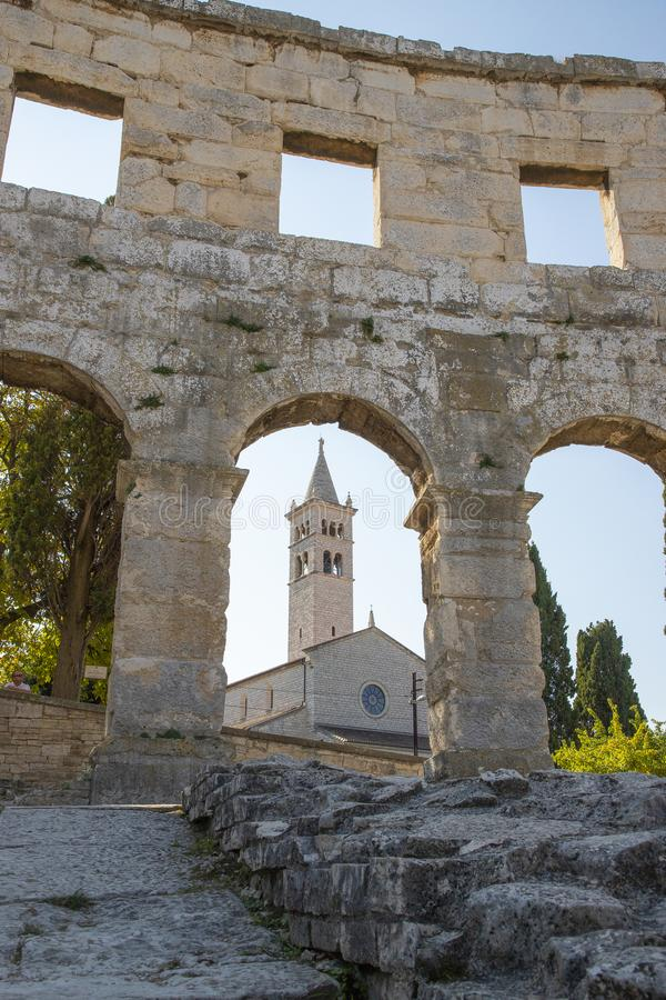O Pula, a cidade dos Pula com ele é arena Istria, Croatia imagem de stock royalty free