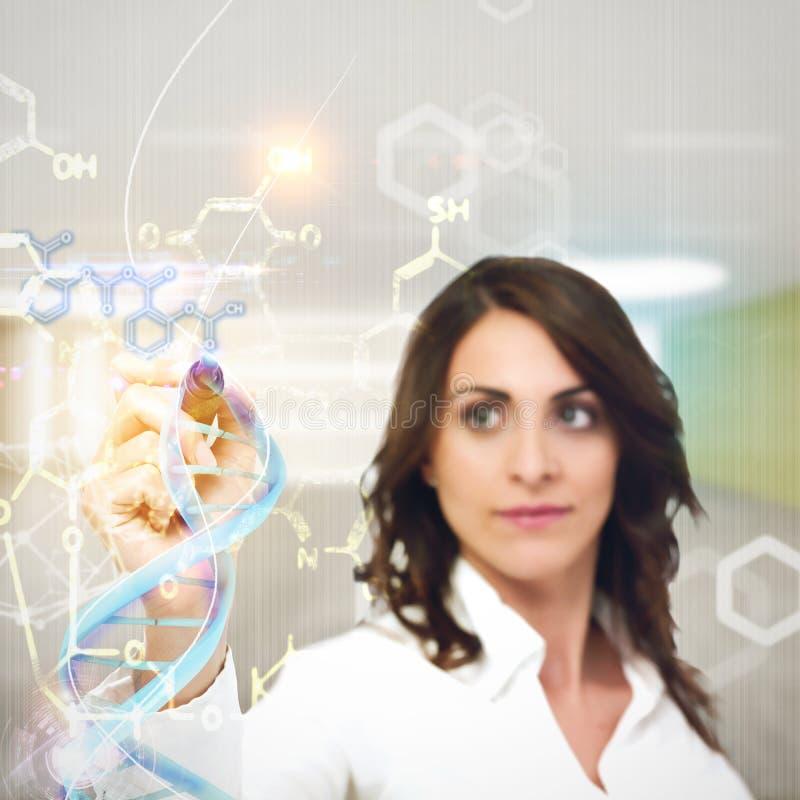 O químico explica fórmulas químicas fotografia de stock royalty free