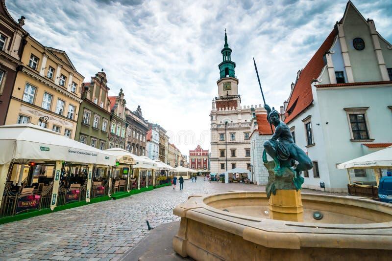 O quadrado central de Poznan foto de stock royalty free