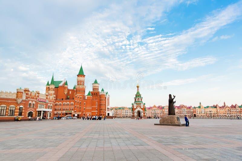 O quadrado do patriarca do Yoshkar-Ola em Rússia imagens de stock royalty free