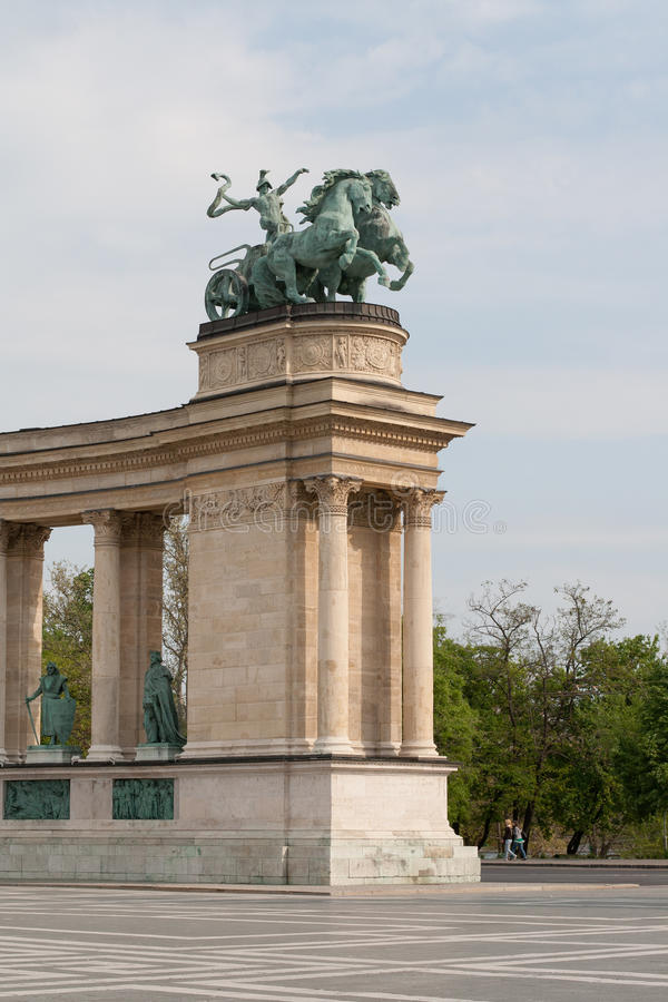 O quadrado dos heróis em Budapest. imagem de stock
