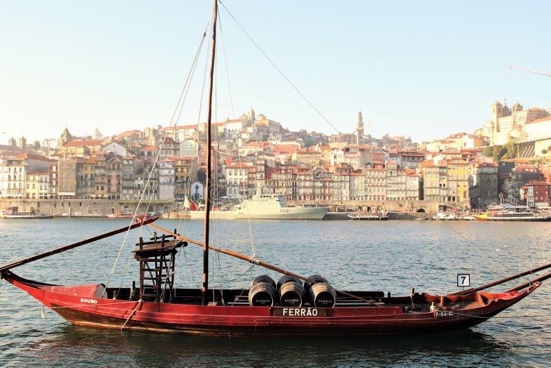O quarto de Ribeira em Porto, Portugal e rive Duoro imagem de stock