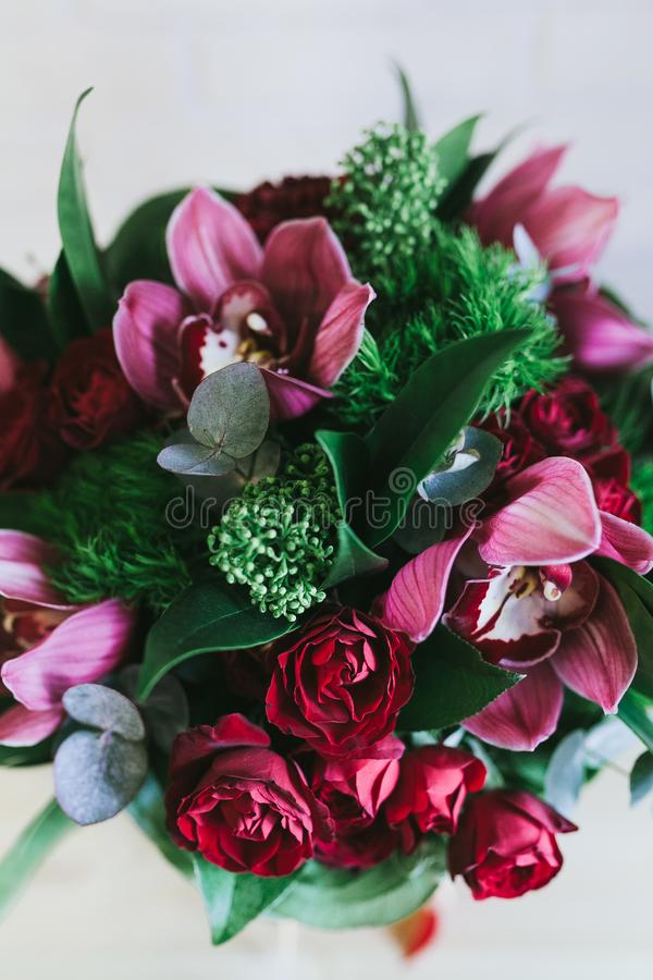 O ramalhete bonito delicado das flores fecha-se acima foto de stock royalty free