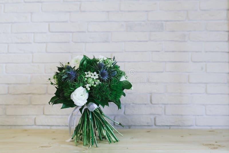 O ramalhete bonito delicado das flores fecha-se acima fotos de stock royalty free