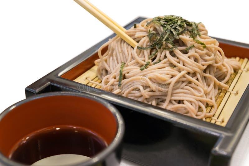 O ramen de Soba é macarronetes do trigo mourisco, alimento do estilo japonês imagem de stock royalty free