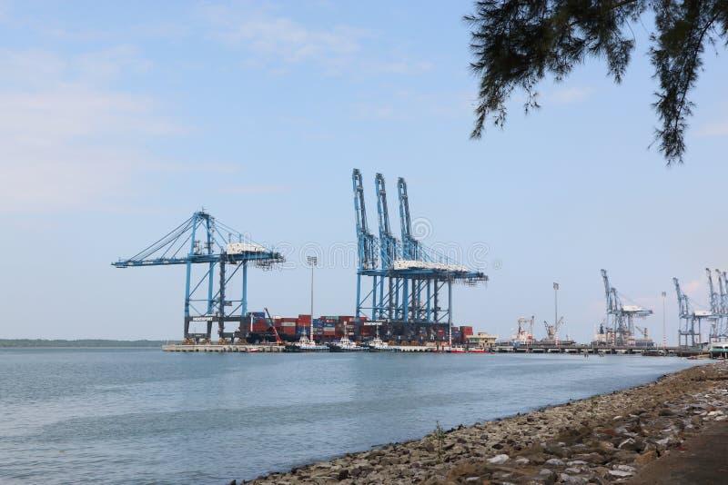 O recipiente cranes em trabalhos, porto norte, porto Klang, Malásia fotos de stock royalty free