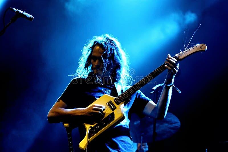 O rei Gizzard e grupo de rock psicadélico do feiticeiro do lagarto executa no concerto no som 2017 de primavera imagem de stock royalty free