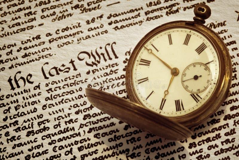 O relógio de bolso velho e  imagem de stock royalty free