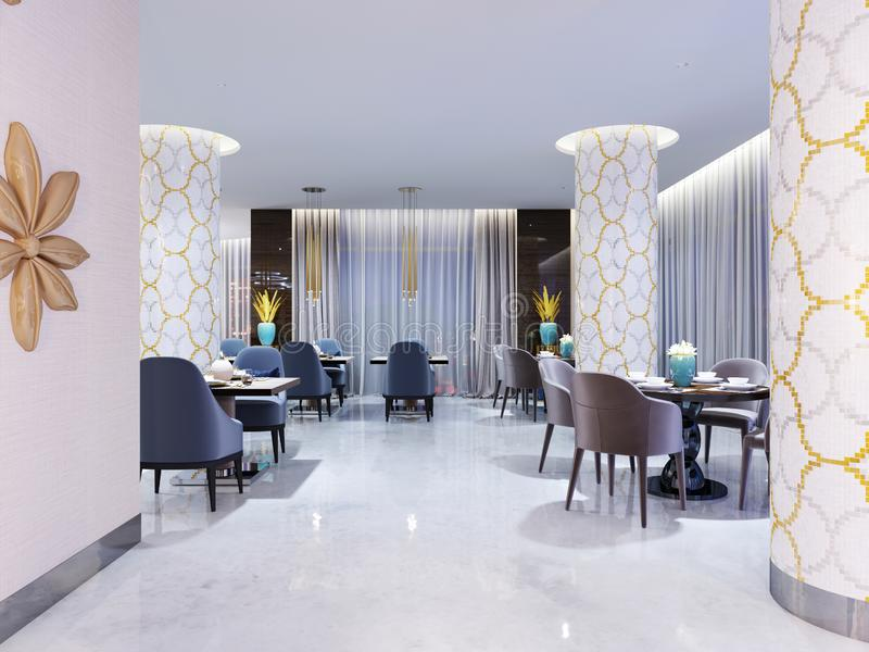 O restaurante luxuoso, brilhante do hotel com as quatro e duas cadeiras e tabelas é servido assoalho e colunas Neve-brancos no mo ilustração stock