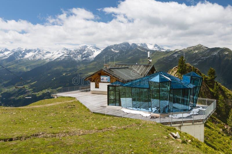O restaurante Skybar de Gratli, Áustria, editorial foto de stock royalty free