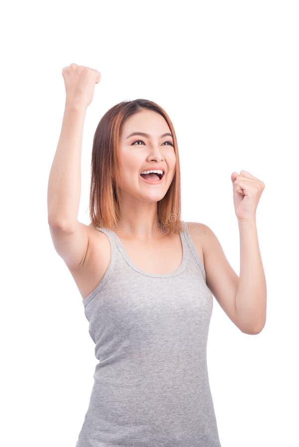 O retrato da mulher asiática bonita nova entrega acima dos braços aumentados, screa imagens de stock royalty free