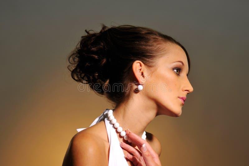 O retrato da mulher atrativa foto de stock royalty free