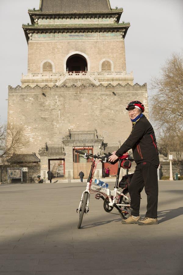 O retrato de um bicycling ventila foto de stock royalty free