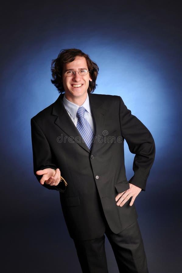 O retrato do homem de negócios novo imagens de stock
