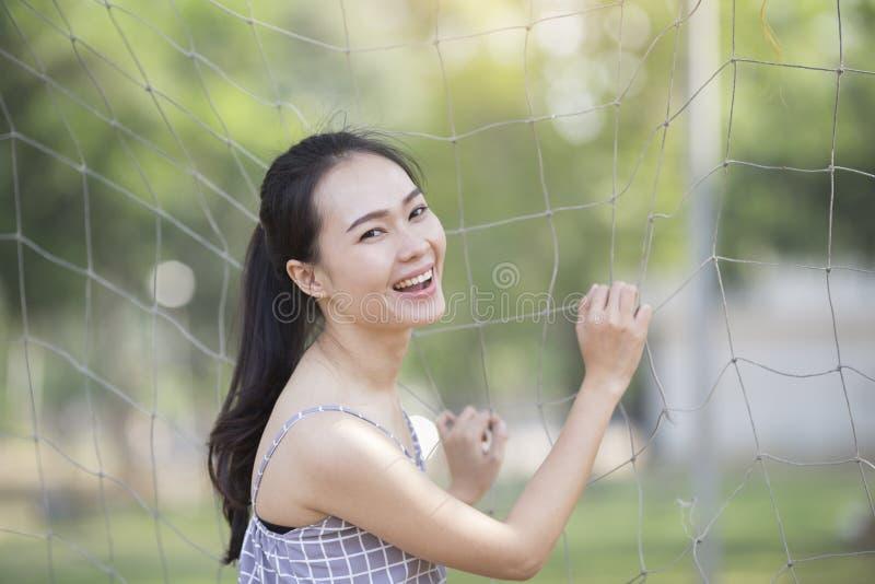 O retrato, a pele e a cara da mulher da beleza importam-se o conceito fotos de stock royalty free