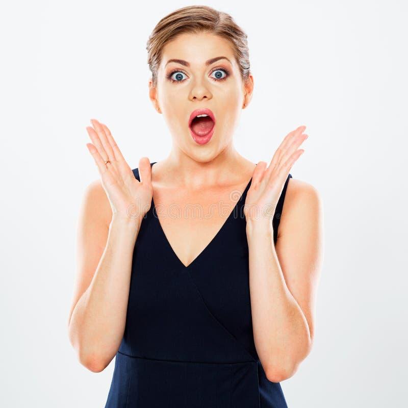 O retrato surpreendente emocional novo da mulher de negócio isolou o AG foto de stock
