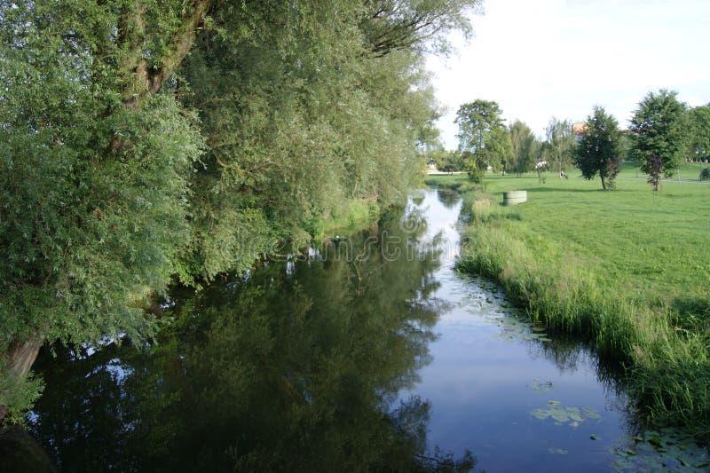 O rio imagens de stock