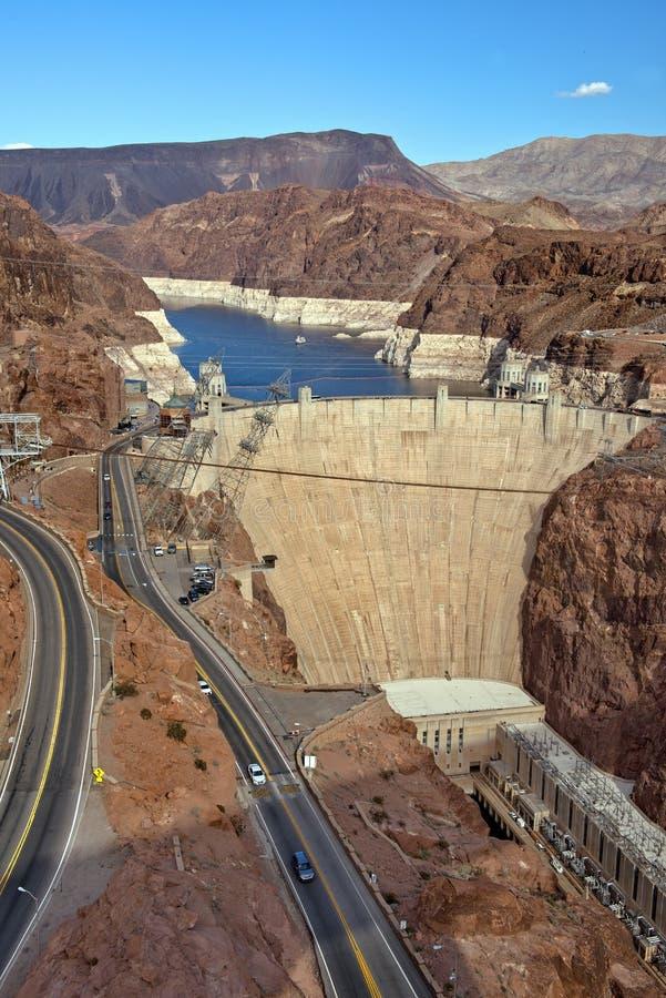 O Rio Colorado e barragem Hoover, beira do Arizona e Nevada, EUA imagem de stock
