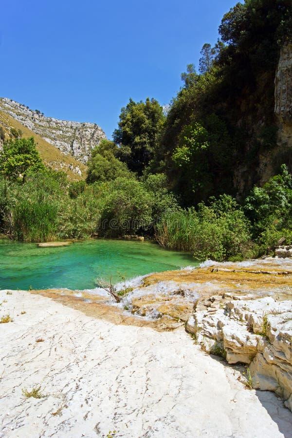 O rio de Cavagrande em Sicília fotos de stock royalty free