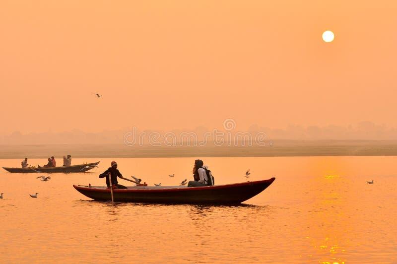 O rio de Ganges no por do sol, India foto de stock royalty free