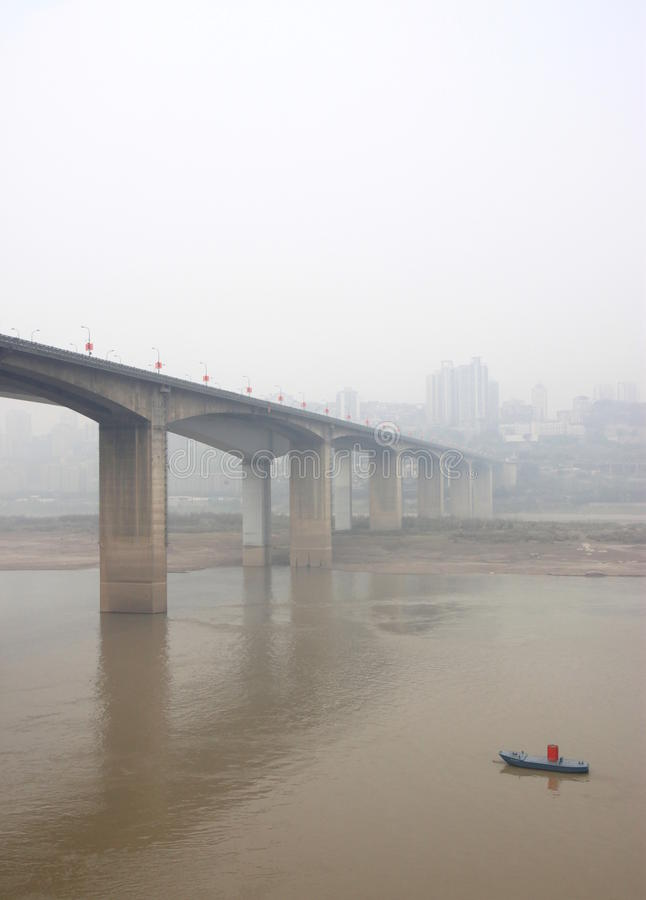 O rio de Yangtze em Chongqing fotografia de stock