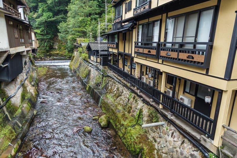 O rio em Kurokawa onsen a cidade em Aso, Kyushu imagem de stock royalty free