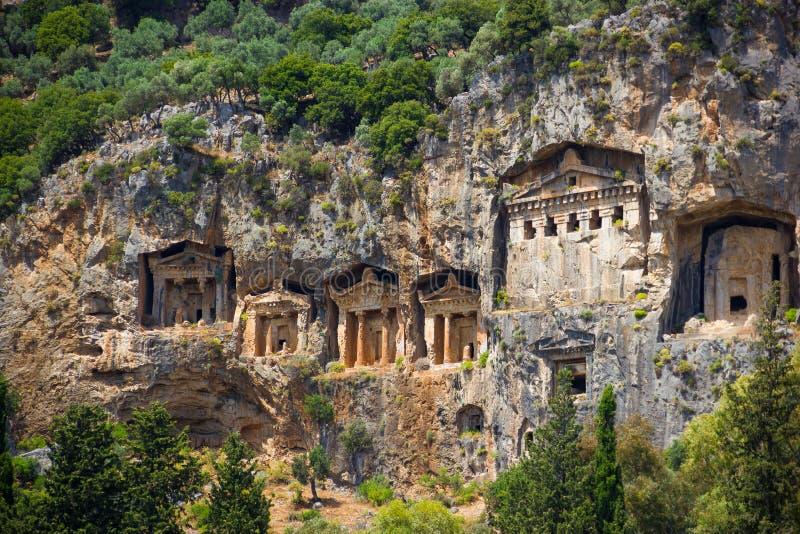 O rio em Turquia, os túmulos de Dalyan de Lycian imagens de stock royalty free