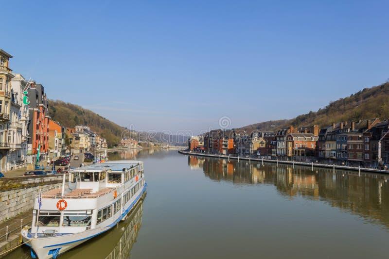 O Rio Mosa em Dinant imagens de stock royalty free