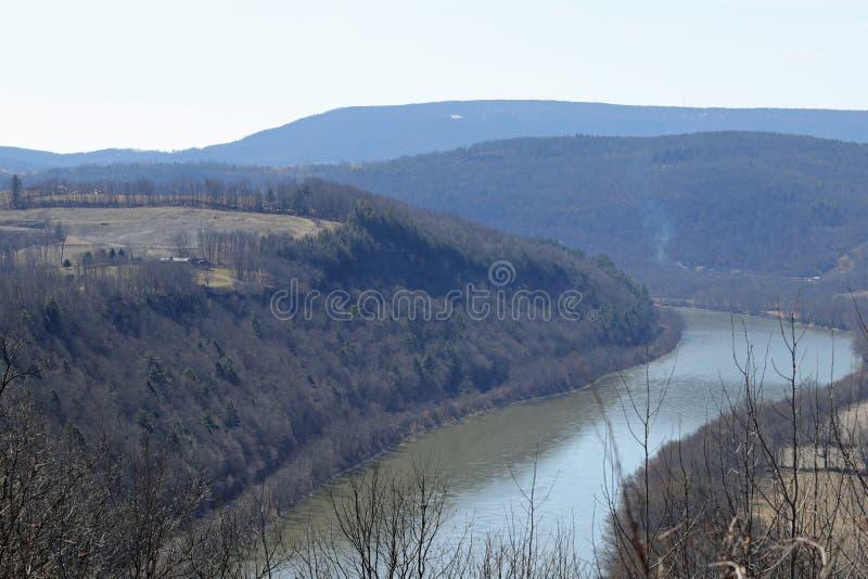 O Rio Susquehanna e montanhas fotografia de stock royalty free