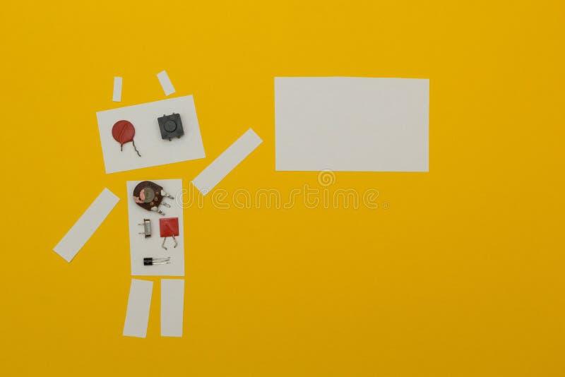 O robô guarda um cartaz do papel, lugar para o texto ilustração do vetor