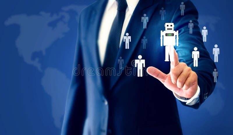 O robô virtual AI do toque bem sucedido da mão do homem de negócios representa um substituto para o trabalho humano imagens de stock