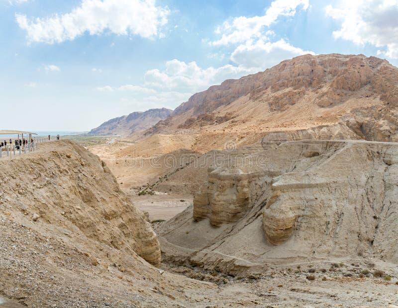 O rolo de Qumran cava perto do Mar Morto, Israel foto de stock royalty free