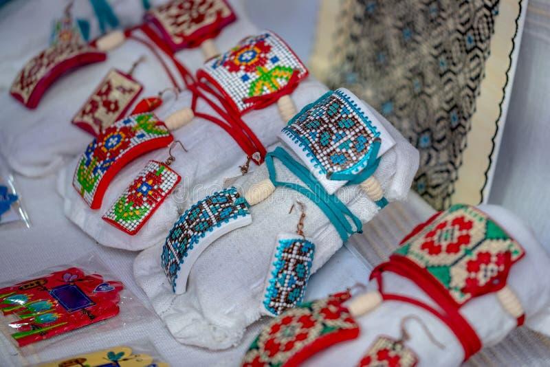 O Romanian tradicional handcrafts imagens de stock