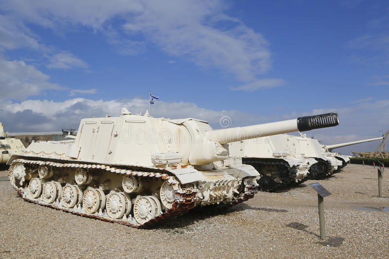 O russo fez a ISU-152 a arma automotora capturada pelo IDF durante seis guerras de dia em Sinai na exposição no museu do la-Shiry imagens de stock royalty free