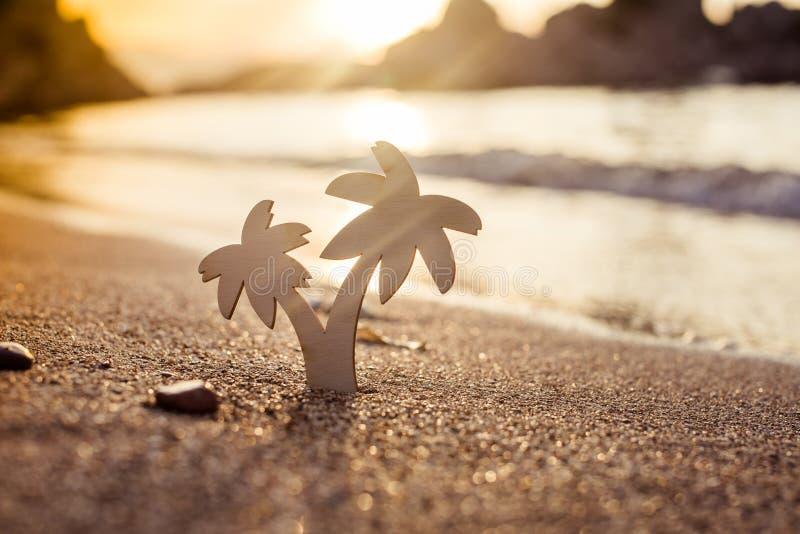 O símbolo vacations Palma imagens de stock royalty free