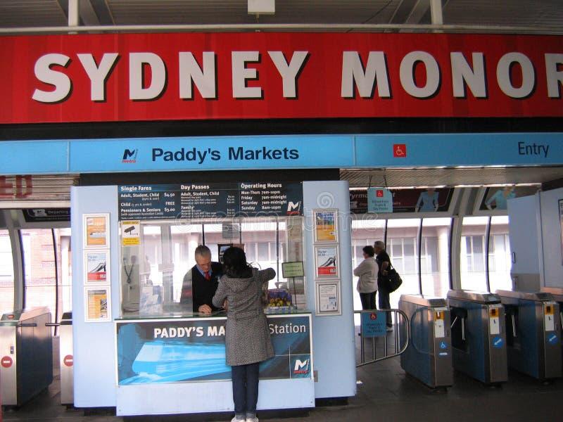 O ` s da almofada introduz no mercado a estação, Sydney Monorail fotos de stock royalty free