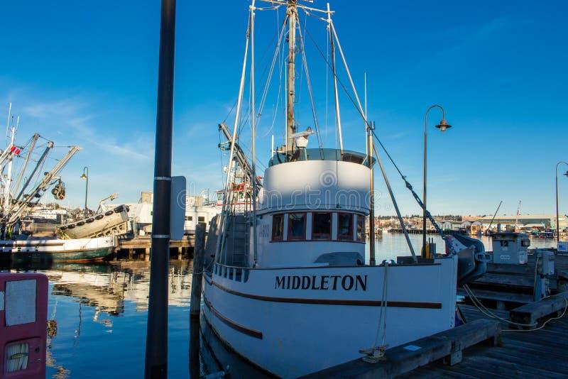 O ` s do palangreiro amarrou no terminal do ` s do pescador em Seattle Washington fotos de stock