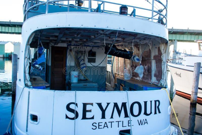 O ` s do palangreiro amarrou no terminal do ` s do pescador em Seattle Washington imagens de stock