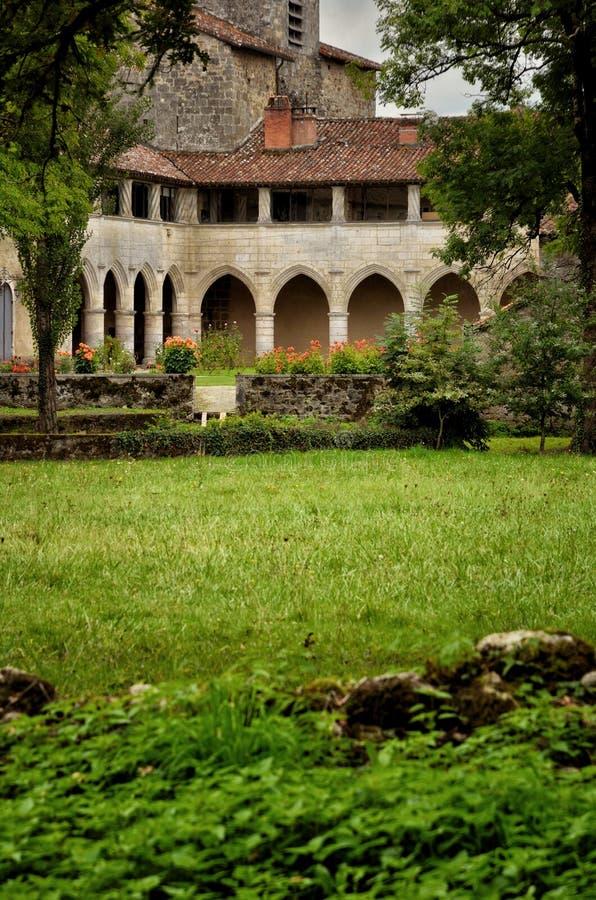 O Saint-Jean-de-Cole é uma vila medieval no norte do Dordogne, França fotografia de stock royalty free