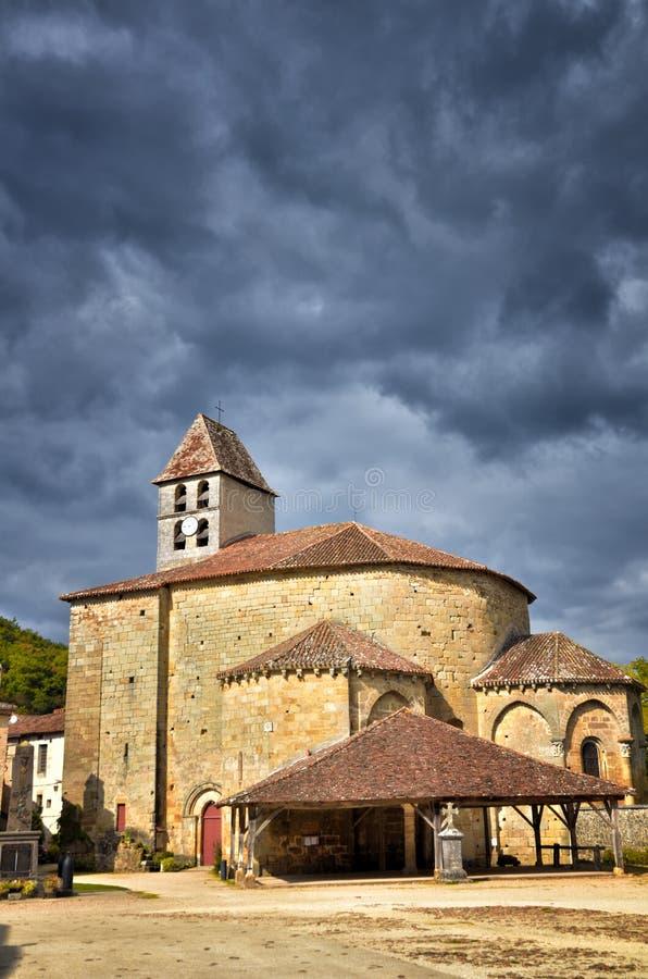 O Saint-Jean-de-Cole é uma vila medieval no norte do Dordogne, França fotografia de stock