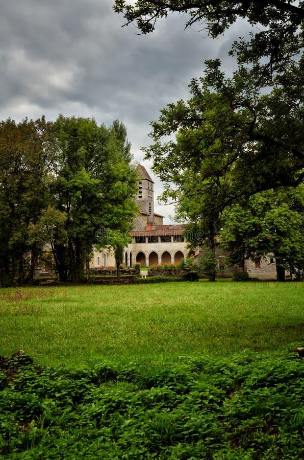 O Saint-Jean-de-Cole é uma vila medieval no norte do Dordogne, França imagens de stock
