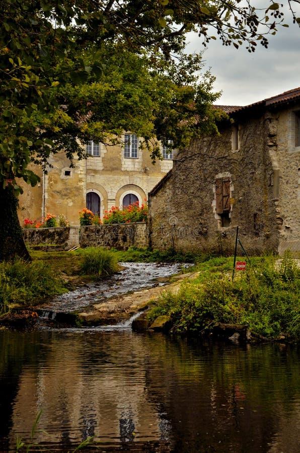 O Saint-Jean-de-Cole ? uma vila medieval no norte do Dordogne, Fran?a fotografia de stock royalty free