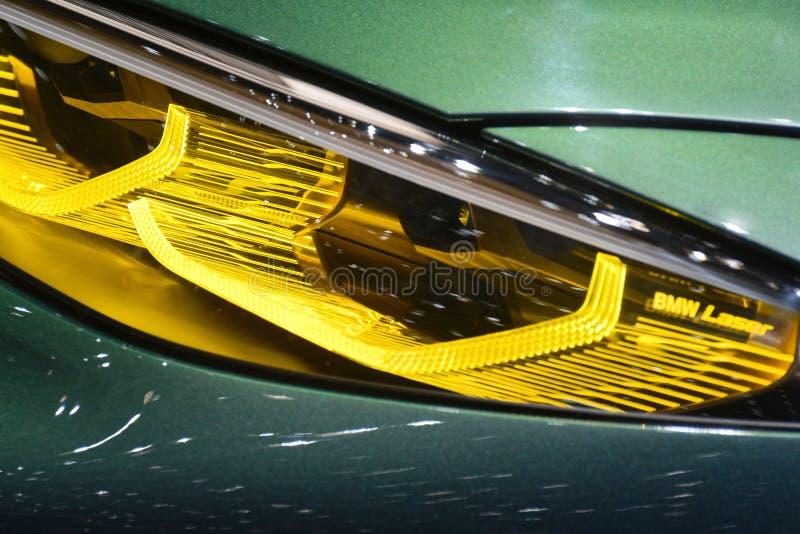 88.o salón del automóvil internacional 2018 de Ginebra - luz laser del cupé de BMW M8 Gran fotografía de archivo